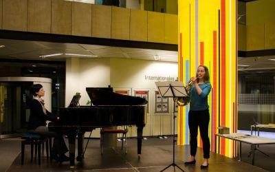 Lisa Jampolski und Margareta spielen Strauss Nocturno op. 7